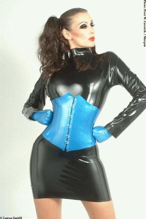 Wide corset
