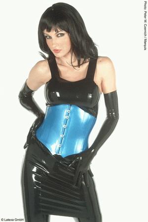 Short dress with shoulder straps