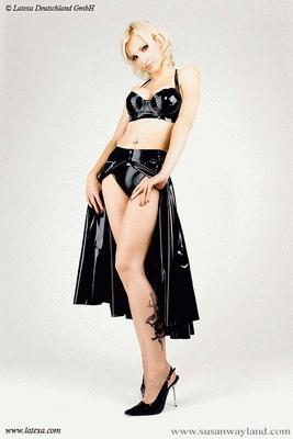 Long swinger skirt, open infront