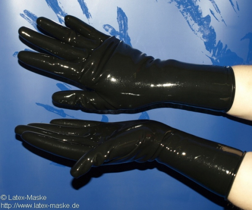 Anatomical short gloves