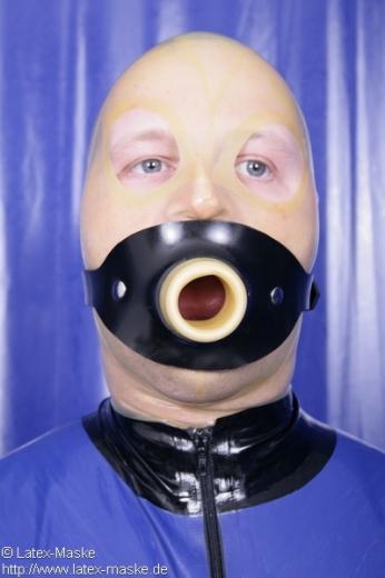 Hollow gag harness option lockable