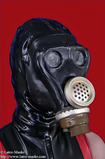Russian gas mask with speech membrane