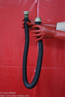 Rubber Breathing tube 105cm with thread connection